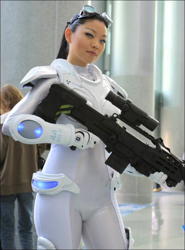 Amazing StarCraft Ghost Cosplay