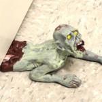 Zombie-Doorstop-Crawling_12402-l