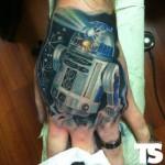 r2-d2-hand-tattoo