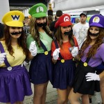 Super Mario Ladies at Montreal Comic Con 2012