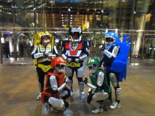 How You Voltron Cosplay2