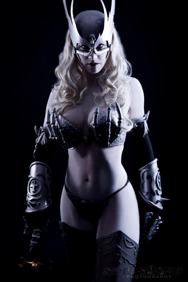 lady-death-5