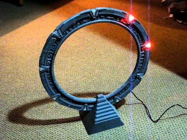 This 3D Printed Stargate Can Actually Dial! [Video]